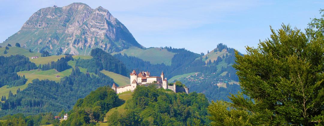 Buvette de montagne Au Creux du feu. Château de Gruyères en Suisse